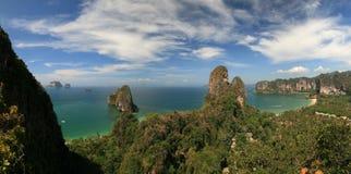Panorama tropical de la costa Imagen de archivo