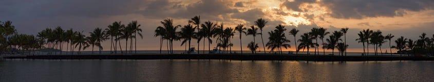 Panorama tropical de la puesta del sol Imágenes de archivo libres de regalías