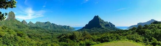 Panorama tropical de Moorea Imágenes de archivo libres de regalías