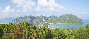 Panorama tropikalny krajobraz. Phi wyspa, Tajlandia. Fotografia Stock