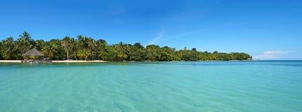 Panorama- tropisk ö Royaltyfria Foton
