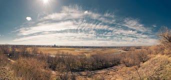 Panorama Une sorte sur la rivière d'article Photo libre de droits