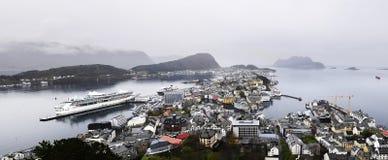 Panorama urbano da cidade de Architecture_Alesund, Noruega Imagens de Stock Royalty Free