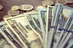 Panorama USA dolarów banknotów tekstura Tekstury USA dolary Tło różni mili dolarowi rachunki, metalu pieniądze fotografia royalty free