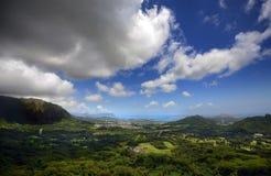 Panorama- utsikt från den Pali utkiken i Oahu, Hawaii Arkivbilder