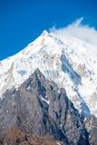 Panorama V del primer del pico de montaña de Langtang Lirung Foto de archivo libre de regalías