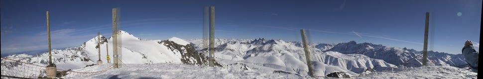 Panorama - vacanza del pattino in Alpes Fotografie Stock Libere da Diritti