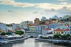 Panorama van Agios Nikolaos City stock fotografie