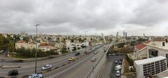 Panorama van Amman stad - Panorama van Abdoun-gebied en abdoun overbrug - Hoogtepunt - mening van Amman stad Stock Foto's