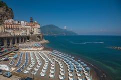 Panorama van Atrani, de Amalfi Kust, Italië Stock Foto