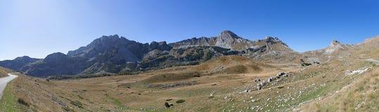 Panorama van bergen in het nationale Park van Durmitor Stock Afbeeldingen
