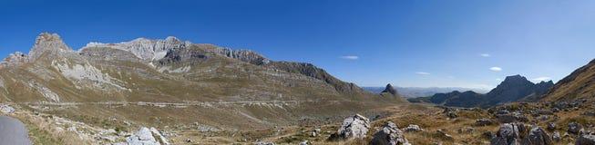 Panorama van bergen in het nationale Park van Durmitor Royalty-vrije Stock Foto's