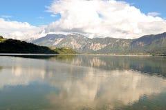 Panorama van bergmeer Stock Afbeelding