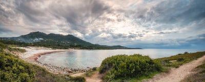 Panorama van Bodri-strand in Balagne-gebied van Corsica stock afbeeldingen