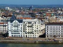 Panorama van Boedapest van de heuvel in Buda stock foto's