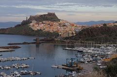 Panorama van Bosa-Stad in de Herfst in Sardinige Royalty-vrije Stock Foto's