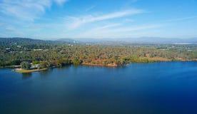 Panorama van Canberra Australië in dag stock fotografie