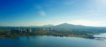 Panorama van Canberra Australië in dag stock foto