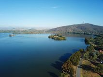 Panorama van Canberra Australië in dag stock foto's