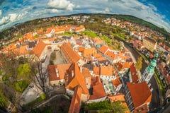 Panorama van Cesky Krumlov vanaf de bovenkant van een toren bohemen april Stock Foto