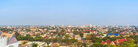panorama van Chiang Mai (de oude stad) wordt geschoten, Thailand voor achtergr. die royalty-vrije stock foto