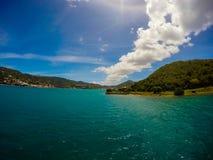 Panorama van Cruz Bay de belangrijkste stad op het Caraïbische eiland van St John USVI, royalty-vrije stock foto's
