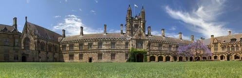 Panorama van de Belangrijkste Vierling, Universiteit van Sydney. Royalty-vrije Stock Foto's