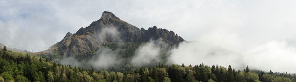 Panorama van de bergen Stock Afbeeldingen