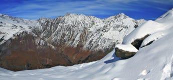 Panorama van de bergen van de Kaukasus in Kabardino-Balkarië, Rusland Royalty-vrije Stock Foto's