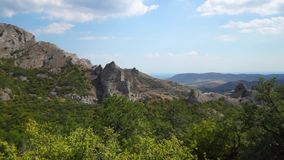 Panorama van de bergen van de Krim stock videobeelden
