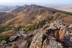 Panorama van de bergrand Macin, Roemenië royalty-vrije stock foto