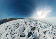 Panorama van de blauwe heuveltjes van Meer Baikal bij zonsondergang Royalty-vrije Stock Fotografie