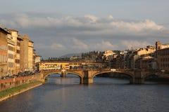 Panorama van de bruggen over de Rivier Arno, Florence, Italië royalty-vrije stock foto's