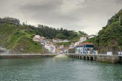 Panorama van de haven aan Cudillero in Asturias, Spanje Stock Fotografie