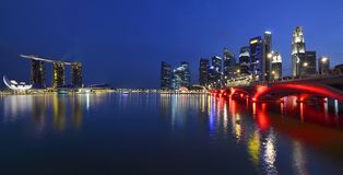 Panorama van de horizon en de rivier van Singapore Stock Foto