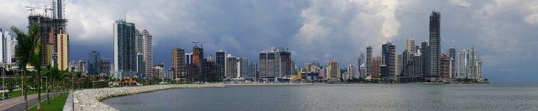 Panorama van de horizon van de Stad van Panama Stock Afbeeldingen