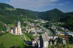 Panorama van de Idrija-stad, Slovenië Royalty-vrije Stock Afbeeldingen
