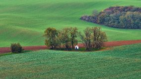 Panorama van de kapel st Barbara op Moravian-gebieden tijdens de herfsttijd, de Tsjechische Republiek van Kyjov royalty-vrije stock fotografie