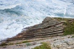 Panorama van de klippen en flysch van Zumaia, Baskisch Land stock foto
