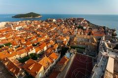 Panorama van de Minceta-toren aan het volledige oude deel van de stad aan Dubrovnik, Kroatië Stock Afbeelding