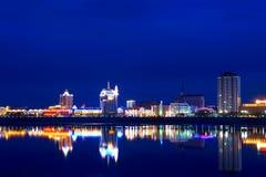 Panorama van de nachtstad Stock Foto's