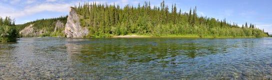 Panorama van de Noordelijke rivier royalty-vrije stock fotografie