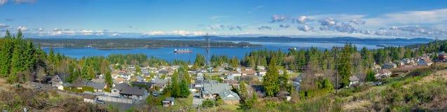 Panorama van de oceaan en Ladysmith in het Eiland van Vancouver, B royalty-vrije stock afbeeldingen