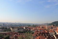 Panorama van de oude stad van Praag, Tsjechische Republiek stock foto's