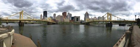 Panorama van de Rivier en de Bruggen in de PA van Pittsburgh royalty-vrije stock foto