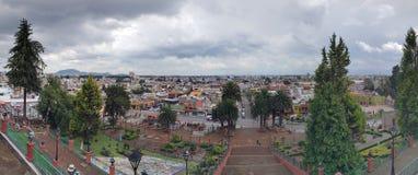 panorama van de stad van Metepec, in de staat van México, van de Kerk van Calvary wordt gezien die royalty-vrije stock foto