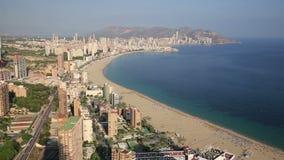 Panorama van de stad van Benidorm in Alicante, Spanje stock videobeelden