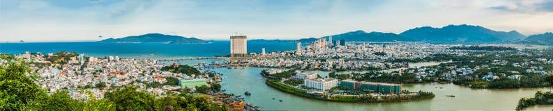 Panorama van de stad van Nha Trang, Vietnam Panoramische dag vi Stock Foto