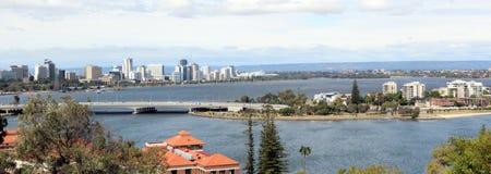 Panorama van de Stad van Perth van het Park van de Koning Stock Afbeeldingen