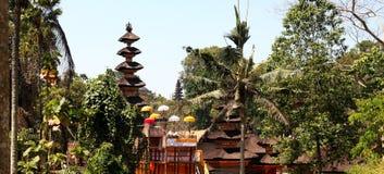 Panorama van de tempel van Bali in Ubud, Indonesië Stock Foto's